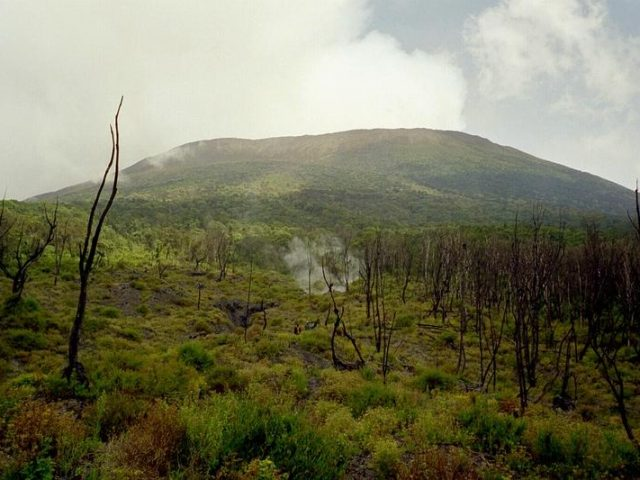 Mount Nyiragongo – Home to The World's Largest Lava Lake